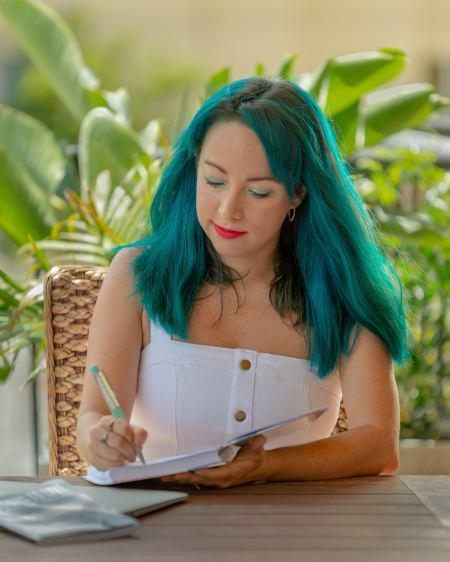 Jas Rawlinson - Brisbane author & writing coach